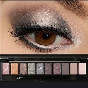 Focallure 10-color eyeshadow set
